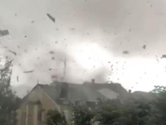 Більше 100 будинків і 19 осіб постраждали в результаті торнадо в Люксембурзі
