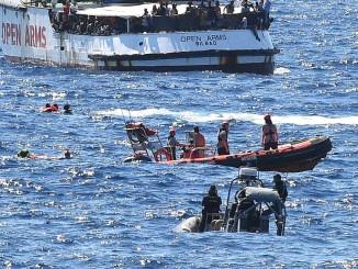 Іспанія надішле військовий корабель, щоб забрати мігрантів з Open Arms