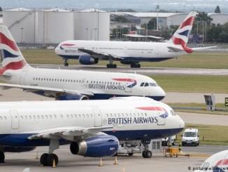 Протестуючий проти змін клімату, виліз на літак British Airways в аеропорту Лондона