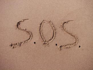 Жінка, загублена в австралійській пустелі, знайдена завдяки повідомленню SOS на піску